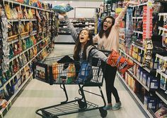 may (pretend the other girl was loren)// my friend loren and i had been shopping for food. she pushes me down the isle in the cart. it hits you. Best Friend Pictures, Bff Pictures, Friend Photos, Bff Goals, Best Friend Goals, Insta Goals, Thalia, Best Pal, Cute Poses