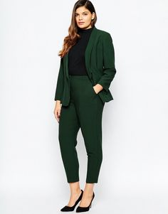 Shop for women's plus size clothing with ASOS. Discover plus size fashion and shop ASOS Curve for the latest styles for curvy women. Plus Size Fashion For Women, Plus Size Womens Clothing, Clothes For Women, Big Size Fashion, Trendy Clothing, Business Professional Outfits, Business Casual Outfits, Plus Size Business Attire, Corporate Fashion Plus Size