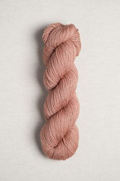 75% American wool, 25% silk / Spun and dyed in USA Fingering weight 221yd [202m] / 50g 9 sts /inch on size US 1 [2.25 mm] needles 7 sts / inch on size US 3 [3.25 mm] needles Soft and skinny is our wis