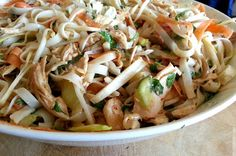 Slimming World Delights: Bang Bang Chicken Noodle Salad