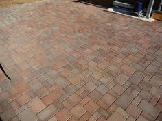 hezká betonová dlažba - Hledat Googlem Tile Floor, Gardening, Flooring, Texture, Surface Finish, Lawn And Garden, Tile Flooring, Wood Flooring, Floor
