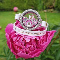 Origami Owl Spring Collection: Pearl Twist Living Locket - Spring locket design