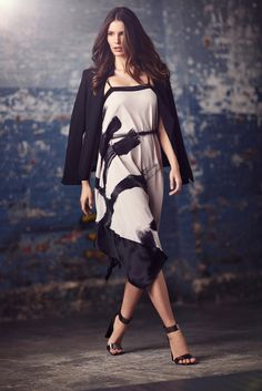 Halston Heritage - Fall 2015 Ready-to-Wear - Look 5 of 24?url=http://www.style.com/slideshows/fashion-shows/fall-2015-ready-to-wear/halston-heritage/collection/5