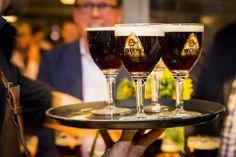 #Steenbrugge #Dubbel #Bruin #bier #beer #SFB #Swinkelsfamilybrewers #bokbier Bavaria, Red Wine, Wine Glass, Alcoholic Drinks, Tableware, Beer, Dinnerware, Alcoholic Beverages, Tablewares
