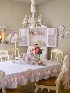 Olivia's Romantic Home: Ruffled tablecloth