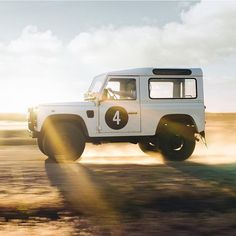 """189 Likes, 1 Comments - Silodrome (@silodrome) on Instagram: """"Bucket List 4x4  Via @keithrossphoto + @fourtillfour  #landrover #defender #offroad #british #car…"""""""