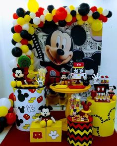 Nenhuma descrição de foto disponível. Theme Mickey, Minnie Mouse Theme Party, Mickey Mouse Decorations, Fiesta Mickey Mouse, Mickey Mouse Parties, Mickey Mouse Clubhouse, Mickey Mouse Birthday, Mickey Minnie Mouse, Birthday Party Decorations
