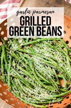 Garlic Parmesan Grilled Green Beans are a quick and delicious way to make green beans. Garlic and Parmesan add the perfect flavor to the expertly grilled green beans. This is a side dish that is ready to serve alongside just about anything. Smoked Green Beans, Seasoned Green Beans, Grilled Green Beans, Cooking Fresh Green Beans, Parmesan Green Beans, Grilled Veggies, Green Beans On Grill, Green Grill, Side Dishes For Bbq