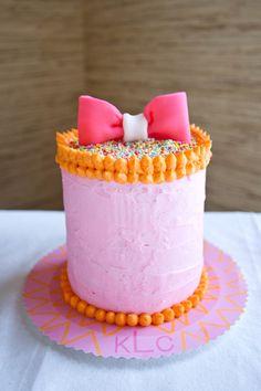 perfectly pink 1st birthday smash cake