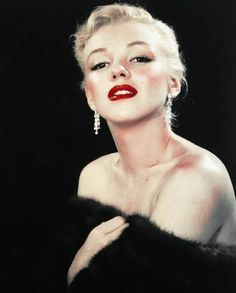 Very glam Marilyn photographed by #EdClark in 1950. ❤ #MarilynMonroe #NormaJeane