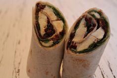 Heute gibt es aber noch einen Wrap. Dieses mal machen wir einen Wrap mit getrockneten Tomaten und Mozzarella.