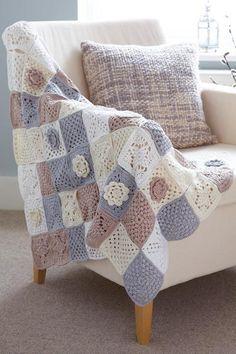 Transcendent Crochet a Solid Granny Square Ideas. Inconceivable Crochet a Solid Granny Square Ideas. Granny Square Crochet Pattern, Crochet Squares, Crochet Granny, Crochet Blanket Patterns, Crochet Stitches, Chunky Blanket, Granny Square Blanket, Crochet For Beginners Blanket, Patchwork Blanket