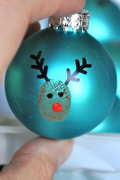 Little Bit Funky: 20 Minute Crafter – Reindeer Thumbprint Christmas Tree Ornaments. Easy craft to do with kids!