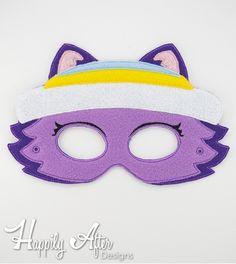 Snow Husky Dog Mask ITH Embroidery Design