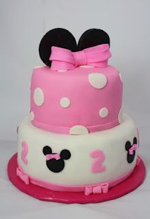 Mini Mouse Cake. this would be adorable for the twins birthday!