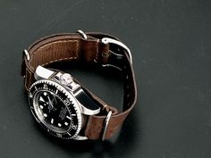Gunny strap, leather NATO