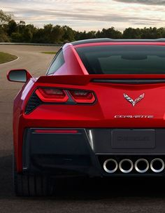 2014 chevrolet corvette stingray - I generally think 'vettes are over-rated and cheaply built, but it does look good.