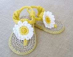 CROCHET PATTERN Baby Sandals with Flowers- 3 Sizes Easy Baby Shoes Pattern Photo Tutorial PDF Instant Download