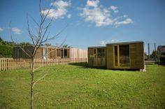 La flexibilidad del sistema nos permite ofrecer un catálogo muy variado de #viviendasmodulares y al mismo  tiempo soluciones exclusivas y personalizadas para cada cliente. #Addomo #madera #arquitectura #diseno #modular addomo.es