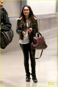 Vanessa Hudgens Sports Eyeglasses at LAX Airport | vanessa hudgens eyeglasses cutie at lax airport 01 - Photo