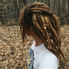 Collection of dreadlocks hairstyles Bohemian Hairstyles, Dreadlock Hairstyles, Cool Hairstyles, Black Hairstyles, Wedding Hairstyles, White Girl Dreads, Dreads Girl, Hippie Dreads, Short Dreads