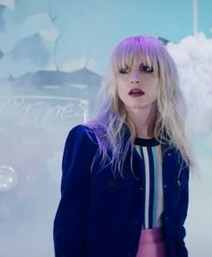 """Hayley Williams in Paramore's """"Hard Times"""" video still ✖️ I don't like this song, but I still rock w/ Paramore"""
