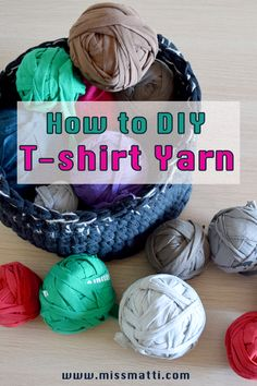 T-shirt yarn is perfect for both knitting & crochet projects. It is a very easy project to make of old worn out t-shirts that are beyond repair or those unwanted t-shirts you gotten at work, after completing a race or similar.   I show you in this tutorial both how to make continuous t-shirt yarn made from t-shirts with no side seam, as well as how to make t-shirt yarn from t-shirts that do have a side seam. I also show you how you can easily link t-shirt yarn ends together. Scrap Yarn Crochet, Knit Crochet, T Shirt Yarn, T Shirt Diy, Fabric Markers, How To Make Tshirts, Easy Projects, Fabric Scraps, Crochet Projects