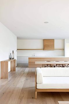 Modern home interior by Urban Angles