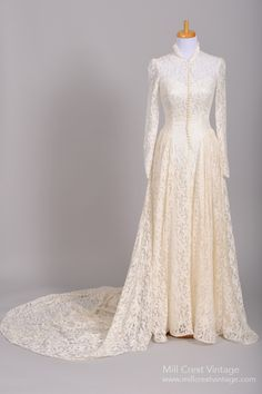 1940 Lace Long Sleeve Vintage Wedding Gown