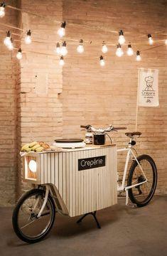 Alquiler de material de bodas Mobile Cafe, Mobile Shop, Food Stall Design, Food Cart Design, Food Truck Design, Bicycle Bar, Bicycle Stand, Bicycle Design, Mobile Food Cart