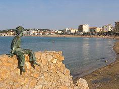 Le Petit Prince regardant la calme Mer Méditerrannéé - L'Escala - Espagne (GI)