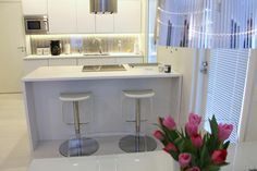 White kitchen - HomeWhiteHome