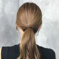 Simple Ponytail This style is very suitable for daily life.You can find Ponytail hairstyles and more on our website.Simple Ponytail This style is very suitable for daily life. Ponytail Hairstyles Tutorial, Up Hairstyles, Short Hair Ponytail Hairstyles, Medium Wavy Hairstyles, Medium Hair Ponytail, Straight Hairstyles For Long Hair, Simple Hairstyles For Medium Hair, Messy Ponytail Tutorial, Ponytail Hairstyles