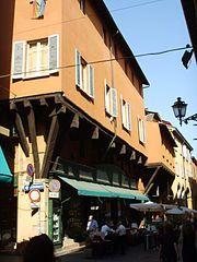 Case Schiavina con sporti e beccadelli in via Clavature, XIII secolo Portici di Bologna - Wikipedia