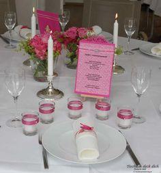 Kommunionsfeier für ein Mädchen, festlich in rosa und pink