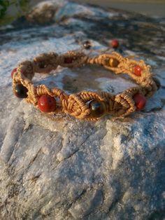 bracelet shamballa-macrame-reconfort-et-m-BIJOUX CREATEURS VALENTEENS