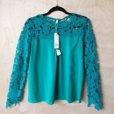 Green embroidered crochet lace floral peasant Comes from a smoke free, bulldog friendly home! Packaged in love! Tops