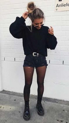 outfits with doc martens - outfits . outfits for school . outfits with leggings . outfits for school winter . outfits with black jeans . outfits with air force ones . outfits with doc martens . Edgy Outfits, Winter Fashion Outfits, Mode Outfits, Cute Casual Outfits, Grunge Outfits, Look Fashion, Fall Outfits, High Fashion, Outfit Winter