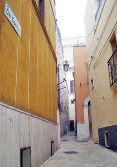 La storia della famiglia De Santis a #Valenzano: http://www.lestraderaccontano.it/component/content/article/10-paesi/valenzano/128-via-de-santis-francesco