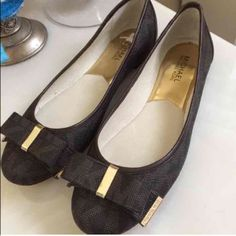 Michael Kors flats size 10m paid $149+tax New with out tag  Michael Kors flats size 10m paid $149+tax  No trades Michael Kors Shoes Flats & Loafers