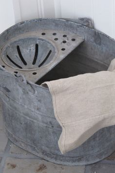 my mum had a mop-bucket exactly like this!: G-STYLE