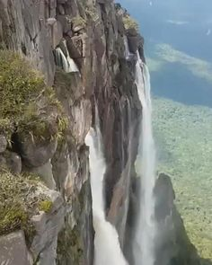 Caracas, Caracas, Venezuela - Near the Blue Moon chocolate store in. Beautiful Photos Of Nature, Beautiful Places To Travel, Nature Pictures, Amazing Nature, Beautiful Landscapes, Cool Places To Visit, Angel Falls Venezuela, Beautiful Waterfalls, Natural Waterfalls