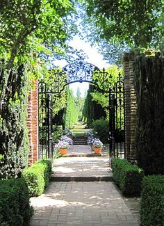 CURB APPEAL – another great example of beautiful design. filoli house &…