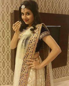 Wedding Lehenga Online, Vaishno Devi, Love Poems, Beautiful Indian Actress, Indian Actresses, Most Beautiful, Bollywood, Sari, Bed