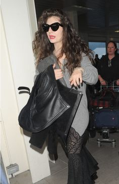 Lorde Gothic Shoes & Dress At Gatwick - http://oceanup.com/2014/02/16/lorde-gothic-shoes-dress-at-gatwick/