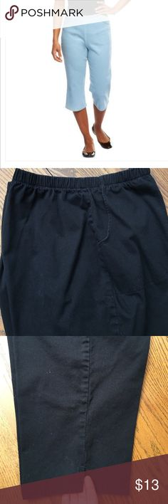 D&Co stretch denim capris. Color black. Like new D&Co stretch denim capris. Featuring elastic pull on waste, two pocket front and side slit at the bottom. Like new condition D&Co Pants Capris
