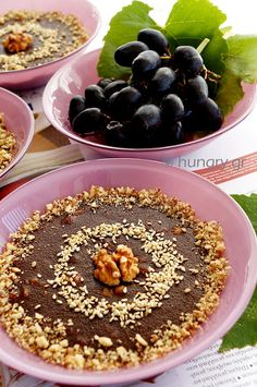 Jelly with Molasses & Semolina Semolina Pudding, Greek Desserts, Fancy Schmancy, Acai Bowl, Jelly, Sweets, Breakfast, Recipes, Cakes