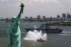 "USS Kearsarge LHD-3 Passes Statue of Liberty NEW YORK (May 21, 2008) - 4"" x 6"" Photograph"