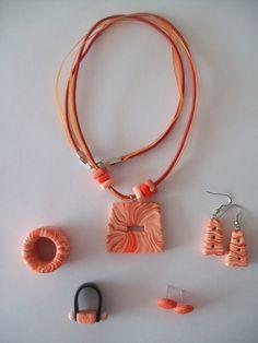 Juego de Collar, Aretes y Anillo en Fimo con textura