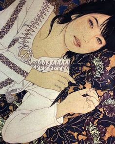Ink painting by Japanese artist Ikenaga Yasunari. His paintings depict beautiful women whose expressions and postures suggest a dreamy atmosphere. Ikenagas paintings also showcase exquisite textile pattern designs. His subjects are always women of modern times but at the same time the Nihonga painting style reflects ancient Japanese traditions which gives his works a timeless feel.  Чернильная живопись японского художника Икенага Ясунари. Его картины изображают красивых женщин чьи…
